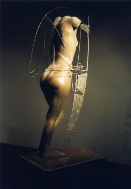amazone (de proue) bronze et corde à piano H. 0,70 m