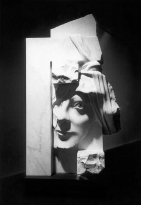 cariatide marbre de Carrare 1 x 0,7 x 0,8 m